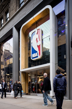 NBA Store AM No Sharp-51